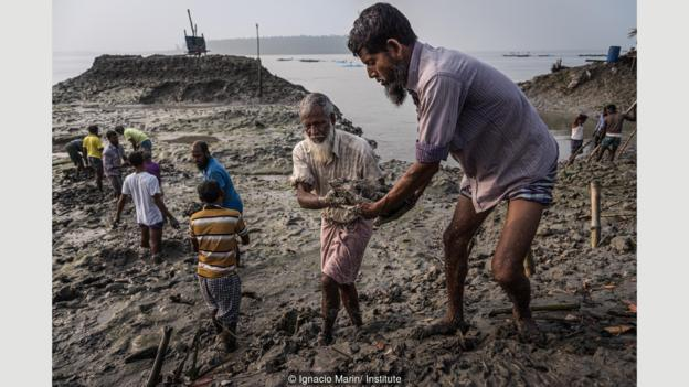 The country disappearing under rising tides