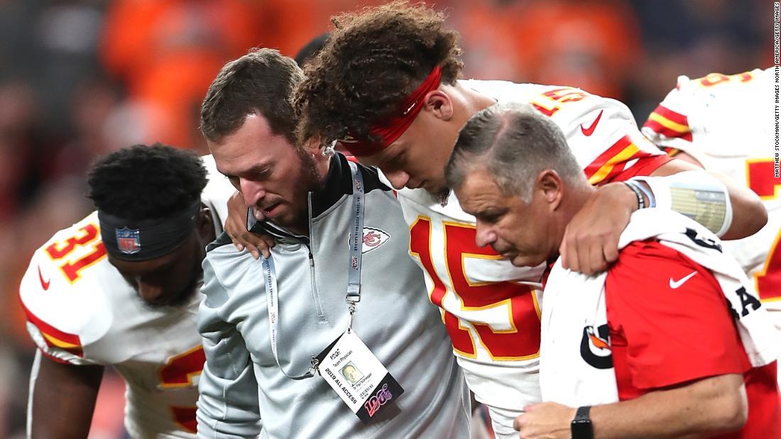 Reigning NFL MVP Patrick Mahomes suffers freak kneecap dislocation
