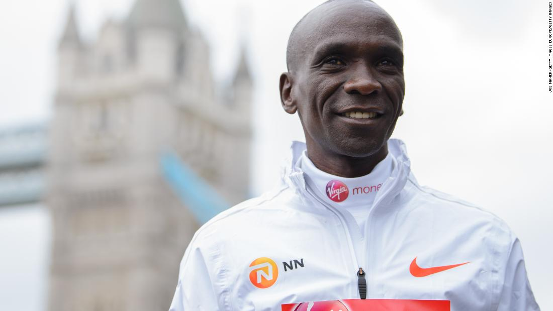 Eliud Kipchoge targets 'super human' marathon time to beat two-hour barrier